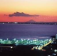 富士を見渡す九十九里浜の夕景