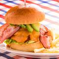 料理メニュー写真牛100%ハンバーガー