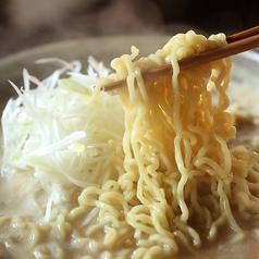 料理メニュー写真《オススメ》博多ちぢれ麺(白髪ネギ付)