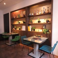 1Fフロアには2名様テーブルあり◎ランチ・ディナー共にご予約受け付けております!