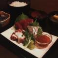 新鮮な鮮魚を使ったお刺身定食は当店人気のメニュー!