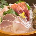 料理メニュー写真桶盛りお造り (5種)