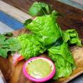 料理メニュー写真自家製パクチーソースのパクチー生春巻き