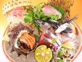 大人気お造り盛り合わせ、旬の鮮魚を堪能いただけます