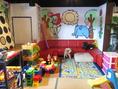 【2階キッズスペース完備!】リニューアル致しました!お子様連れに嬉しいお座敷を拡張し、お席を広々とお使いいただけます!