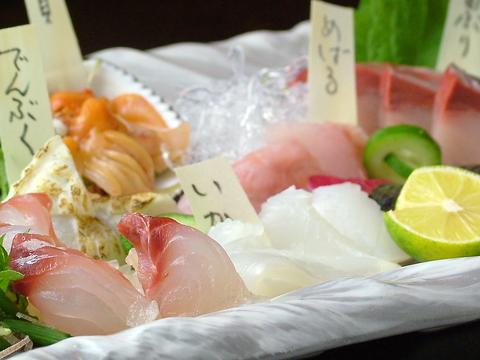 讃岐の鮮魚・野菜・肉を使ったこだわりのお店。常連客や県外客が後を絶たない人気店!