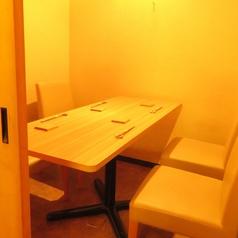 最大6名様まで収容可能な完全個室席。