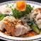 料理メニュー写真鶏冷菜の盛り合わせ(水口鶏:葱油鶏・棒棒鶏)