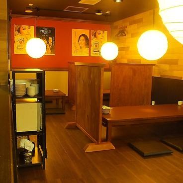 炭火焼鶏じろう 明石桜町店の雰囲気1