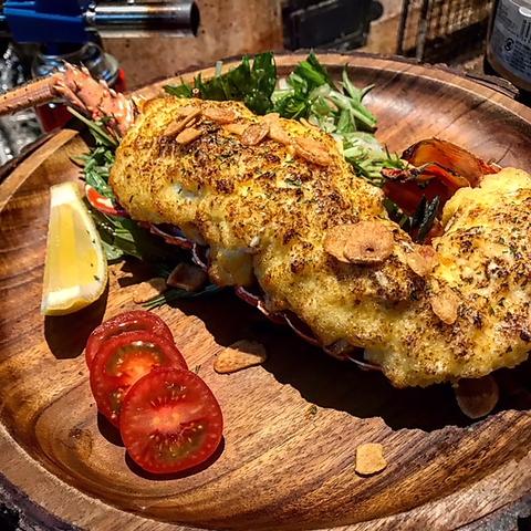 鮮魚や生牡蠣、炭火仕上げの肉料理が自慢です!和食も楽しめる洋風酒場です!