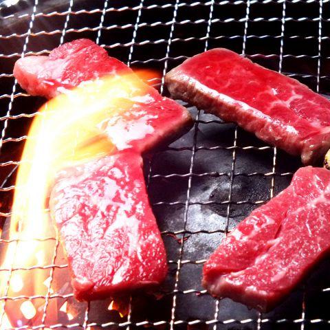 【安心コース】人気の焼肉やサイドメニューの定番コース全13品2970円(税込)