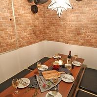 《個室肉バル》部屋ごとに異なるオシャレな個室♪