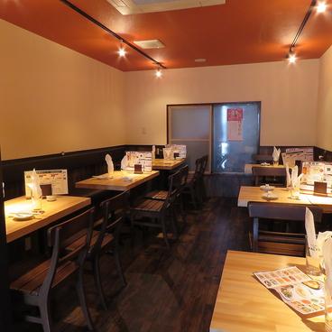 担々麺酒場 鳳龍軒の雰囲気1