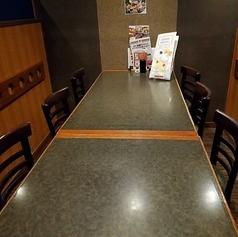 6名様までご利用いただけるプライベート飲み会やビジネスシーンにぴったりのテーブル個室です。疲れにくいテーブル席で人目を気にせずごゆっくりご歓談いただけます。
