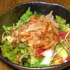 サラダ節とベビーリーフの海鮮サラダ