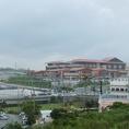 イオンモール沖縄ライカムから車で1~2分。ライカムでお買い物を楽しんだあとは是非「パブラウンジ エメラルド」へ♪
