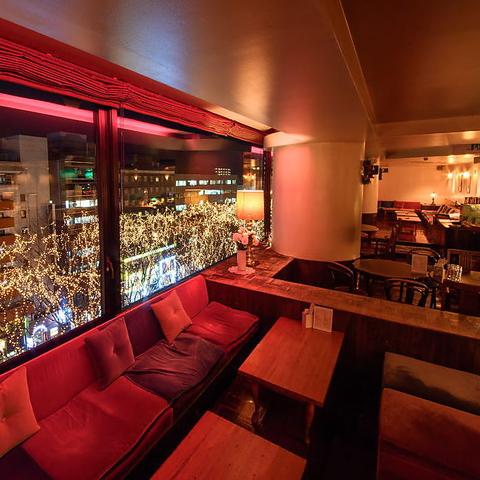 アンティークな店内☆定禅寺通りを見下ろす窓際席が人気♪コロナ対策しております!