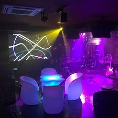 【テーブル席】生バンドの演奏を聴きながらオシャレに飲める「UTA×BAN(うたばん) 研究学園店」