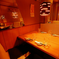 ムード満点のテーブル席