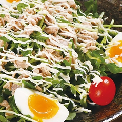 とろ~り玉子とツナマヨの豆苗サラダ