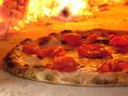 自慢の薪窯で焼きあげる世界一のピッツァ!!