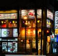 中国屋台街の雰囲気♪お店は2階になります!