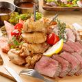 料理メニュー写真肉まみれの究極プレート