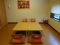 【昼】お子様連れ¥1,000/【夜】1時間¥1,000、2時間以降¥500で個室利用も可能!