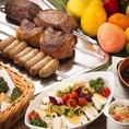 大人気のシュラスコ10種類+オリジナルカレー、本格フェージョン=豆料理、ライスが90分食べ放題コース。焼きたて、本場の味をご提供いたします。
