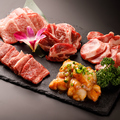 料理メニュー写真厳選肉5種盛り合わせ
