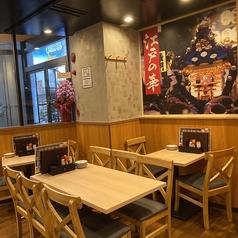 【1階】江戸の華を飾る壁一面の絵と共に♪