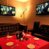 4~14名様のソファー席の個室は大人気♪写真はしっかりとしたセッティングパターン。誕生日、仲間飲み等のカジュアル使いでも人気あり〇