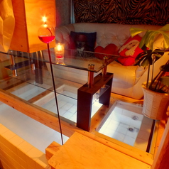 モルディブをイメージした水上コテージ。プロポーズにも人気のお席です。この時期人気のお席となっております。ご予約はお早目に…