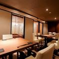 【テーブル席:2名様~14名様迄】女子会、合コン、ママ会に最適!大きな窓が特徴的のテーブル席です!夜になればまた違った雰囲気でのお食事をお愉しみ頂けます♪当店は人数、予算に合ったコースもご用意しております!