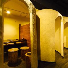 かまくらで仕切られた空気感を重視した個室。最大25名様まで可。