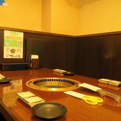 6名テーブルを2席用意した個室席をご用意しております。