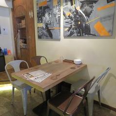 テーブル4名席は1卓のご用意がございます。
