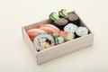 料理メニュー写真かに寿司盛り合せ折