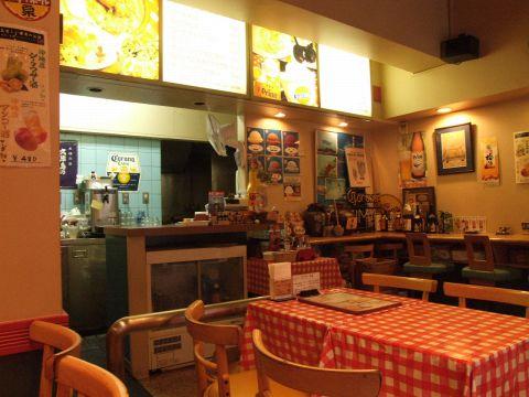 カフェとしてつかえる☆夜は12時までやっている沖縄創作料理カフェ