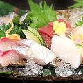 料理メニュー写真【おすすめ】本日のお造り(三種盛り)