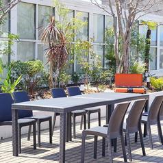 テーブルは可動式なので、人数に合わせてお席をご用意いたします!
