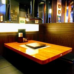 まるで個室かのようなテーブル席♪