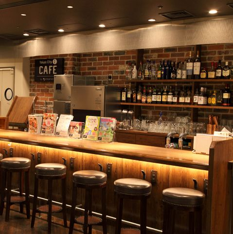 【東京駅周辺でちょい飲み】仕事帰りにふらりと寄れるカウンターのあるお店3選