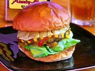 アンティーミーバーガー AUNTY-MEE BURGERのおすすめ料理1