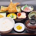 料理メニュー写真エビフライとアジフライ定食