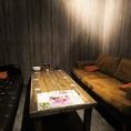 【3階・ソファーVIP個室】4~6名様対応の特別個室。大人な雰囲気のソファ席で特別な雰囲気のなか、お肉を楽しむのも格別です。