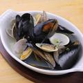 料理メニュー写真いろいろ貝の白ワイン蒸し
