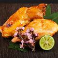 料理メニュー写真「比内地鶏」もも肉とむね肉の食べ比べ