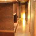 廊下/雰囲気のあるおしゃれな空間です。落ち着いてゆっくりお過ごしいただけます。