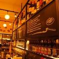 オープンキッチンにはこだわりのワインがズラリ!イタリアンワインをはじめとした、ヨーロッパのワインを各種ご用意。